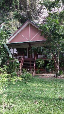 Aonang Cliff View Resort: entrada do apartamento