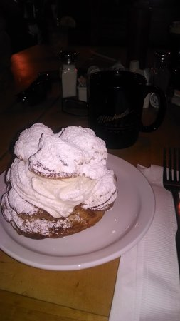 Michaels Kitchen Cafe & Bakery : Best giant cream puffs, with great coffee!!