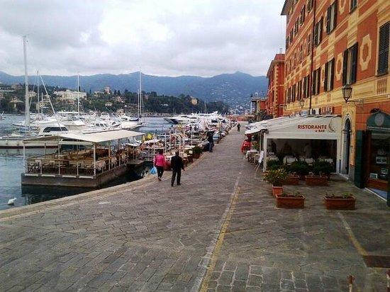 Lido Palace Hotel : Lots of restaurants!!