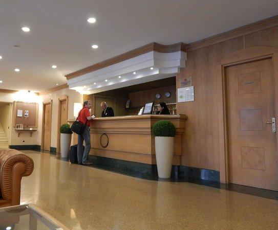 Starhotels Vespucci: スターホテルズ ヴェスプッチ ロビー