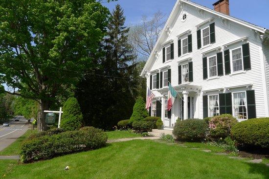 Camden Maine Stay Inn : Maine Stay Inn street view