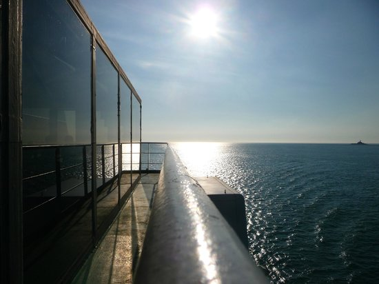 Condor Ferries - Day Trips: Commodore Clipper - View from Club Class lounge