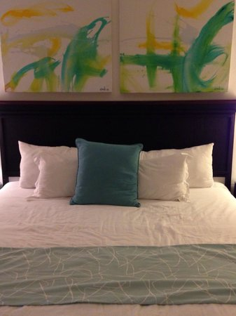 Blue Jack Tar: The bed in a Deluxe Room (not to soft or to hard).