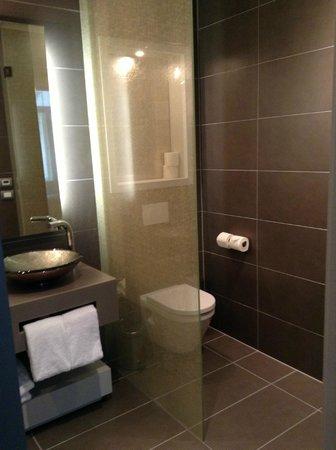 Hotel UNIC Prague: Junior Suite Bathroom