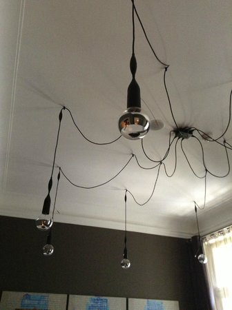 Hotel UNIC Prague: Junior Suite - Loved the light fixture in the living room!