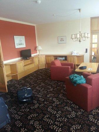 AHORN Hotel Am Fichtelberg: Suite 302 living room