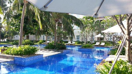 Vinpearl Da Nang Resort & Villas : サイドプール