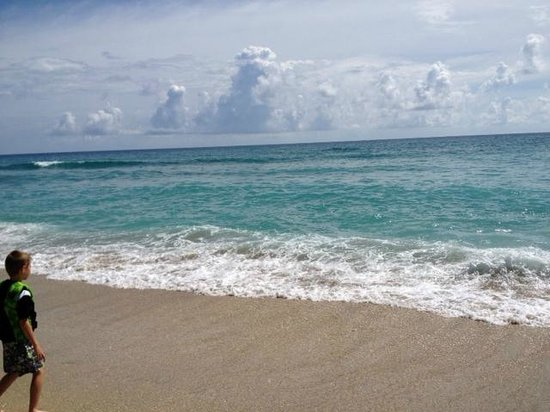 Hutchinson Island Marriott Beach Resort & Marina: The view goes on forever