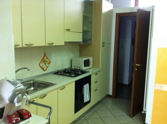 City Residence Milano: The equiped kitchen