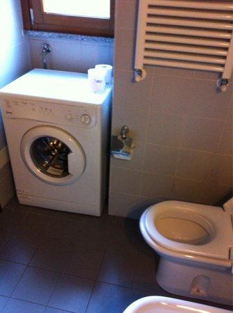 City Residence Milano: The bathroom