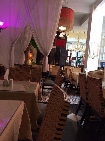 CasaBlanca Hotel: Dining area that serves breakfast/brunch