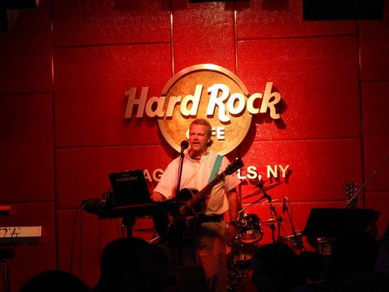Hard Rock Cafe : Ray Wood