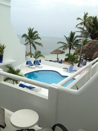 Mata Rocks Resort: balcony pool view