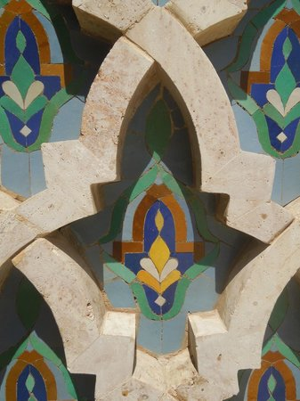 Mosquée Hassan II : Outdoor tile work