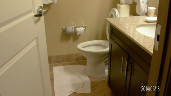MainStay Suites Rapid City: Bathroom