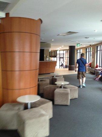 Travelodge Sydney : Lobby