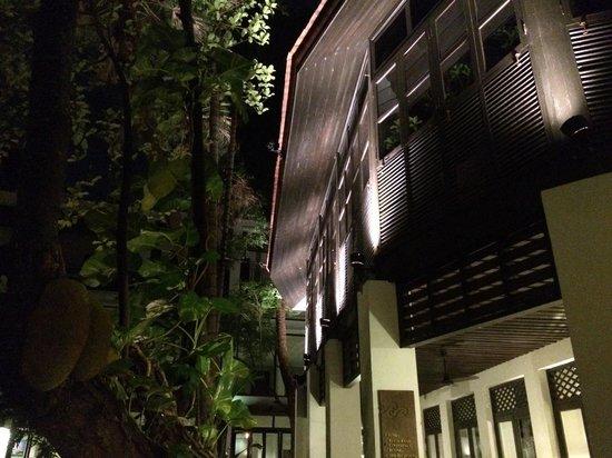 RarinJinda Wellness Spa Resort: At night