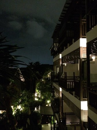 RarinJinda Wellness Spa Resort : Night view
