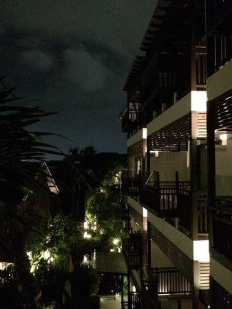 RarinJinda Wellness Spa Resort: Night view