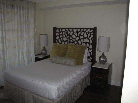 Emerald Grande at HarborWalk Village: Bedroom 2
