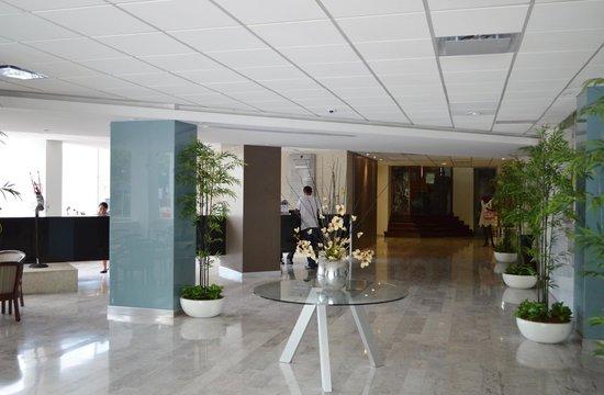 Hotel El Conquistador: Lobby