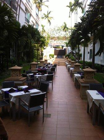 Tara Angkor Hotel : Garden
