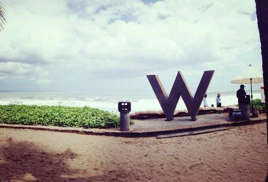 W Retreat & Spa Bali - Seminyak : At the beach