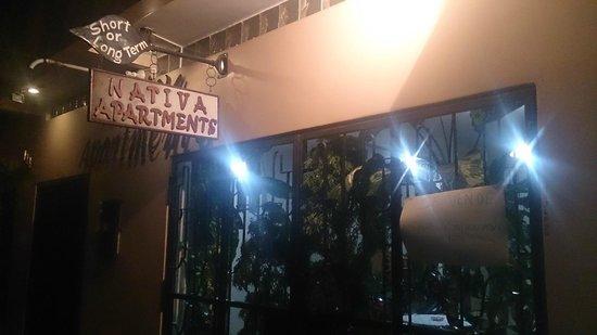 Nativa Apartments: The entrance to Nativa