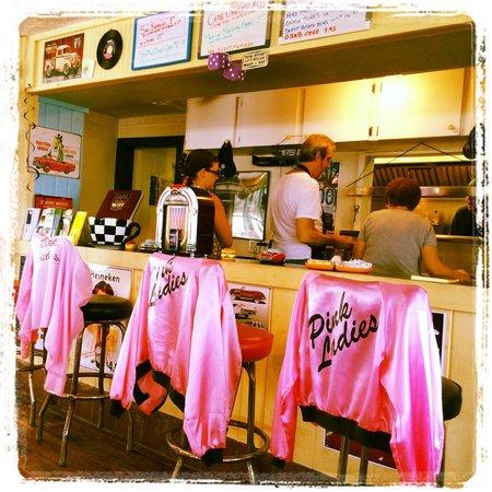 Ken's Cedar Keyside Diner: Love this Oldies diner