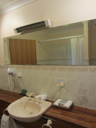 Rydges Hotel Hobart: baño