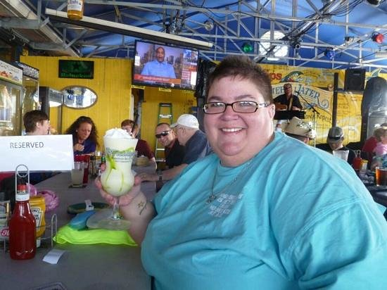 Fishlips Waterfront Bar & Grill: Key Lime Colada.....so yummy