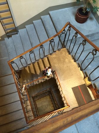Hotel Palazzo Guadagni : There is a lift but we loved the stairs : )