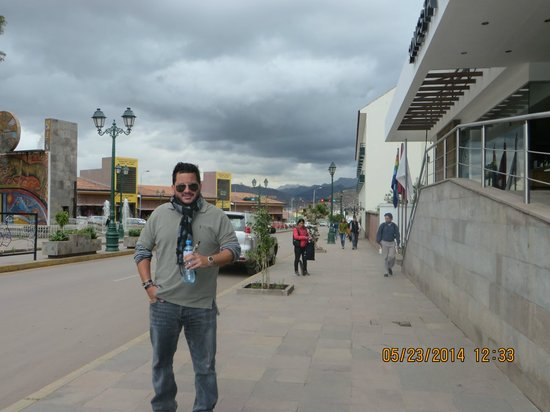 Sonesta Hotel Cusco: In front of the hotel