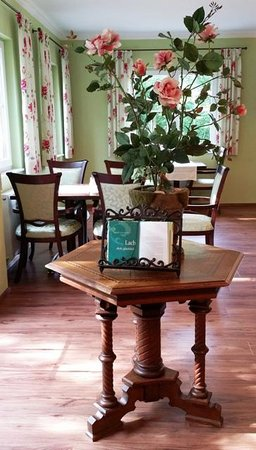 Waldcafé: Waldcafe Breakfast Room Charm