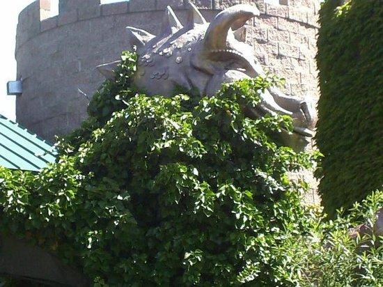 ABQ BioPark Zoo: Dragon sculpture