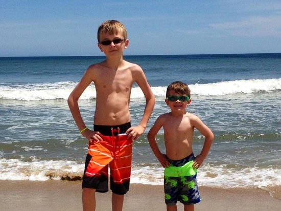 Francis Scott Key Family Resort : My grandsons at the beach!