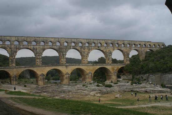 Pont du Gard : Suddenly you see this