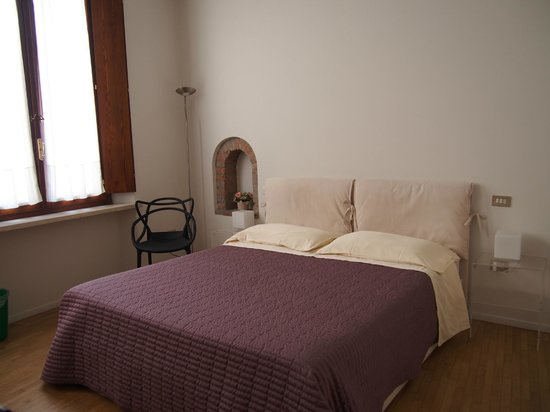 A.A.A. Armonie B&B: Large and comfortable room