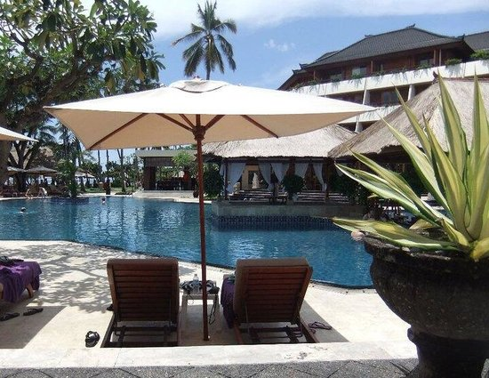 Nusa Dua Beach Hotel & Spa: Amazing view of the pool