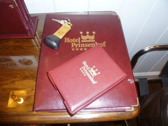 Hotel Prinsenhof Bruges : Books and information about the Hotel and Bruges