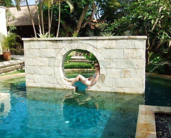 Nusa Dua Beach Hotel & Spa: The resort's spa pool