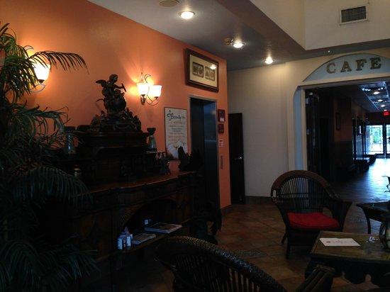 Tahitian Inn Hotel Cafe & Spa: lobby