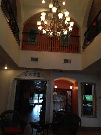 Tahitian Inn Hotel Cafe & Spa : lobby