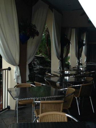 Tahitian Inn Hotel Cafe & Spa: outdoor dining
