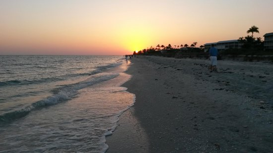 Waterside Inn on the Beach: Sunset on Sanibel