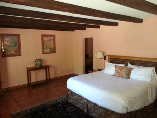 Lodge on the Desert: cozy room