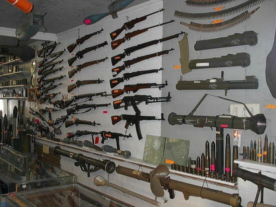 Petersburg, WV: Top Kick's Small Arms Collection