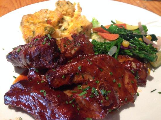 Doc Martin's Restaurant : ribs