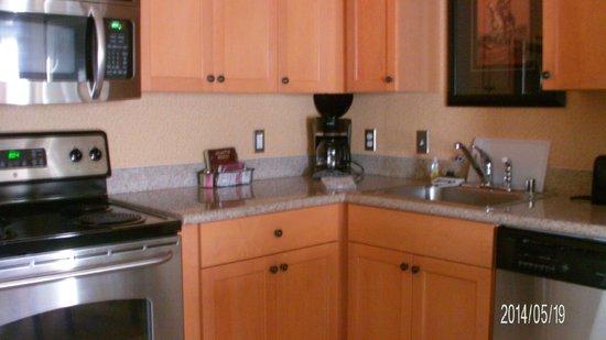 Residence Inn by Marriott Billings: Kitchen