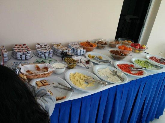 Sultanahmet Cesme Hotel: Breakfast